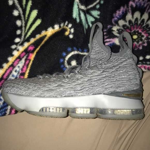best service a7391 dd9a6 Lebron 15's basketball shoes